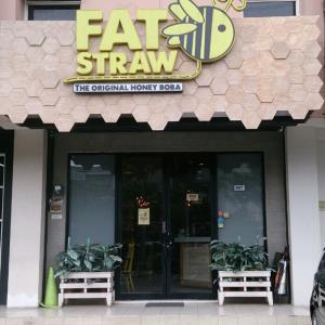 Fat Straw Puncak Bukit Golf